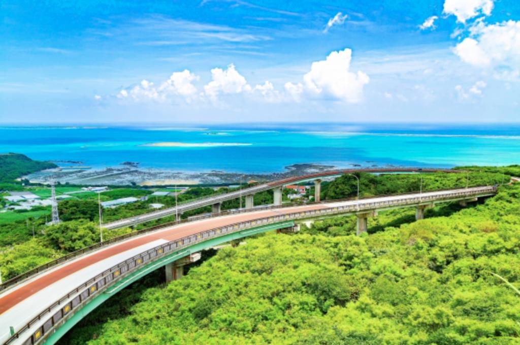 一人旅におすすめ4 「ニライカナイ橋」